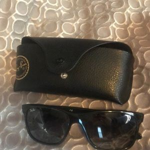 Ray ban sunglasses w/case